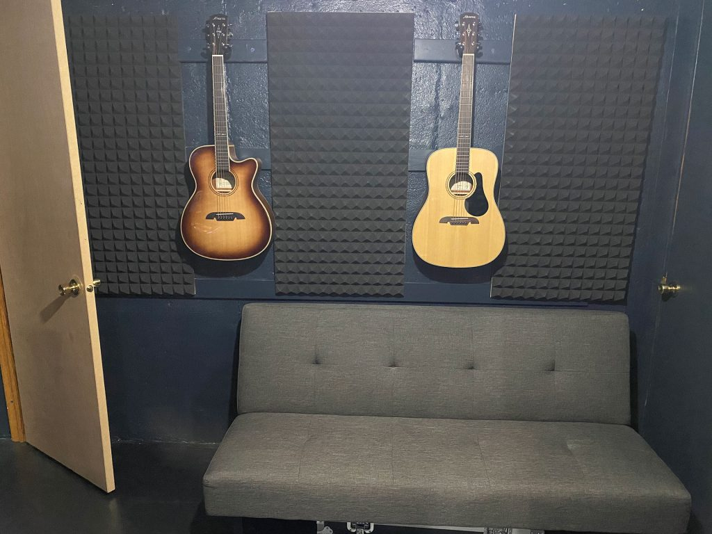 Toledo-Recording-Studio---Seating